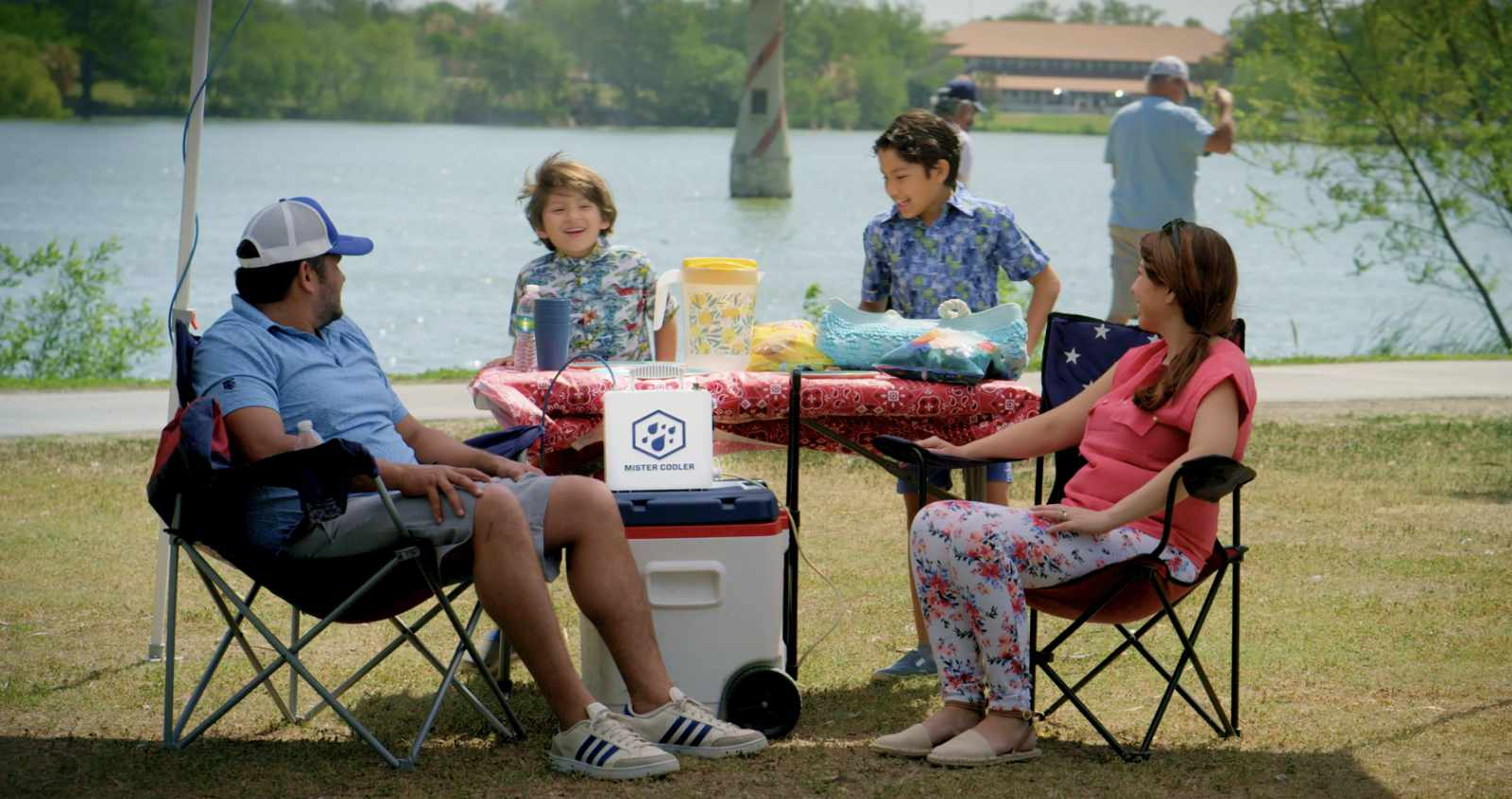 Mister Cooler Family Lake Trip