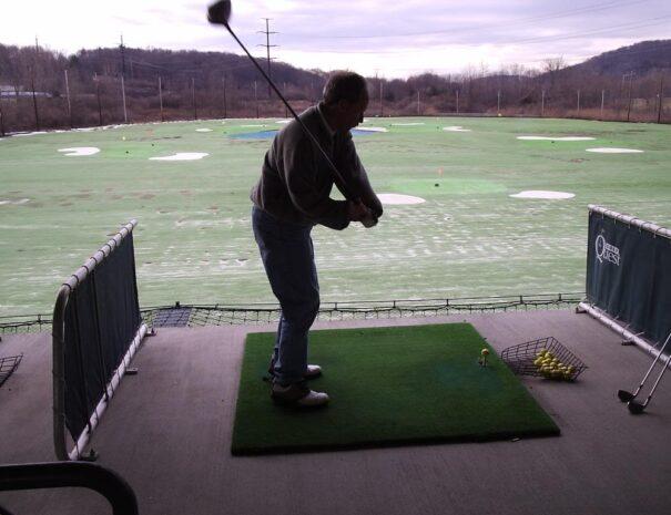 tee line golfers