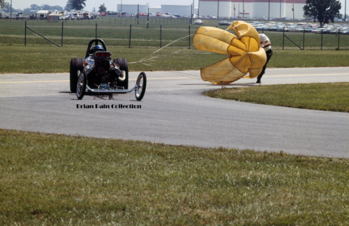 Dragster yellow shoot 8x12 300