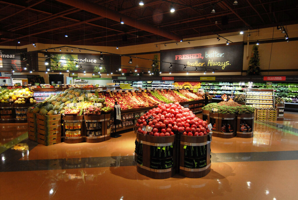 Sobeys invites shoppers to visit its first Sobeys extra store - Newly unveiled store in Burlington, Ontario offers customer extras including in-store chef, wellbeing counsellor, natural source department and special events centre (CNW Group/SOBEYS INC.)