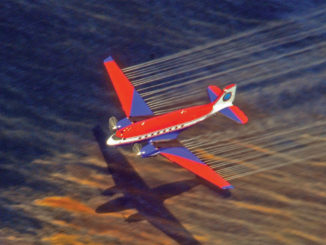 Plane spreading dispersants