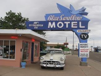 sm-Blue Swallow Motel