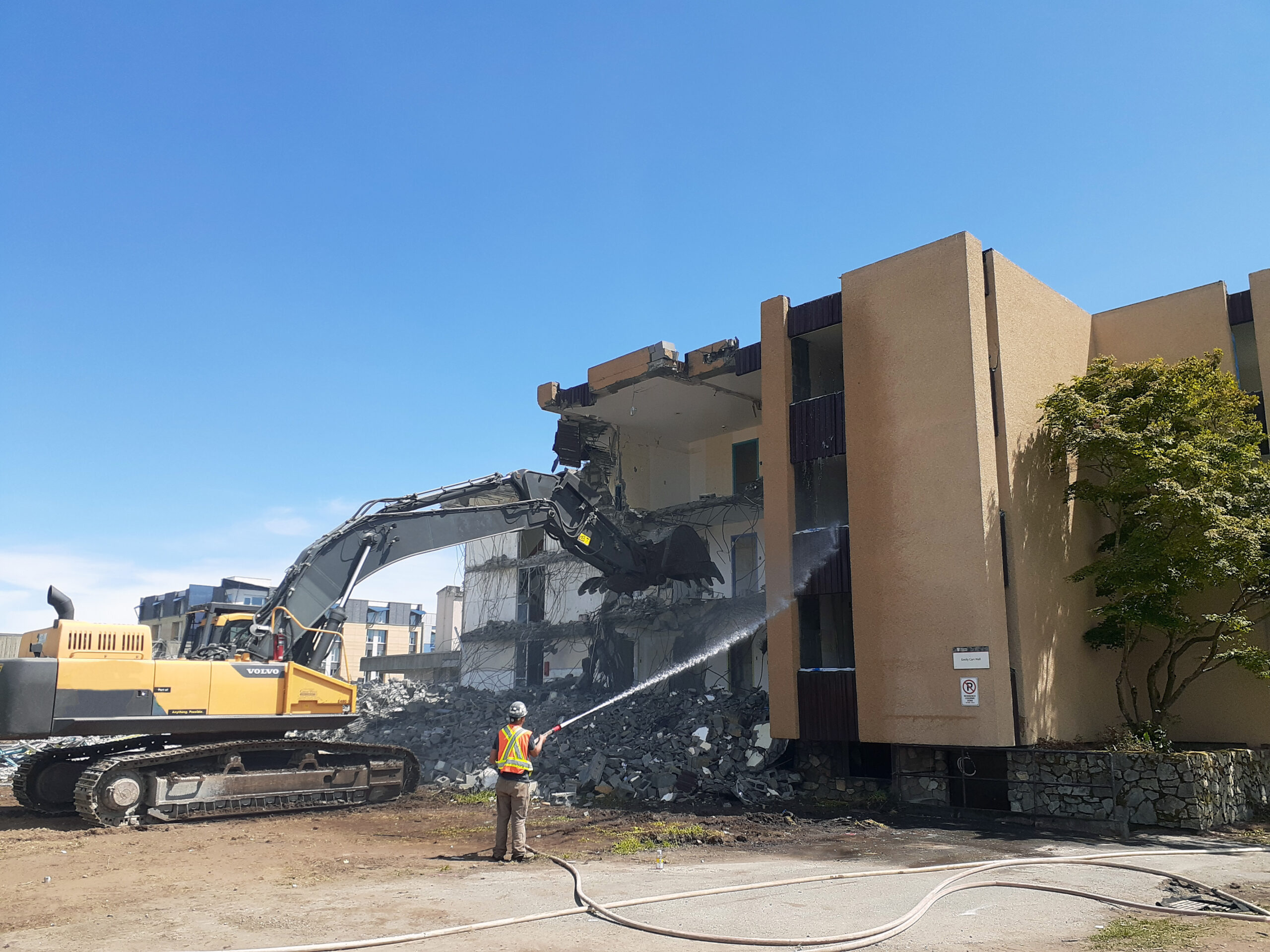 Excavator-University-of-Victoria-Demolishing