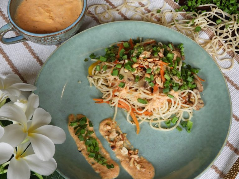 Vegetables Noodles with Yum Yum Sauce - Thai recipe at Kitchen by Nidhi
