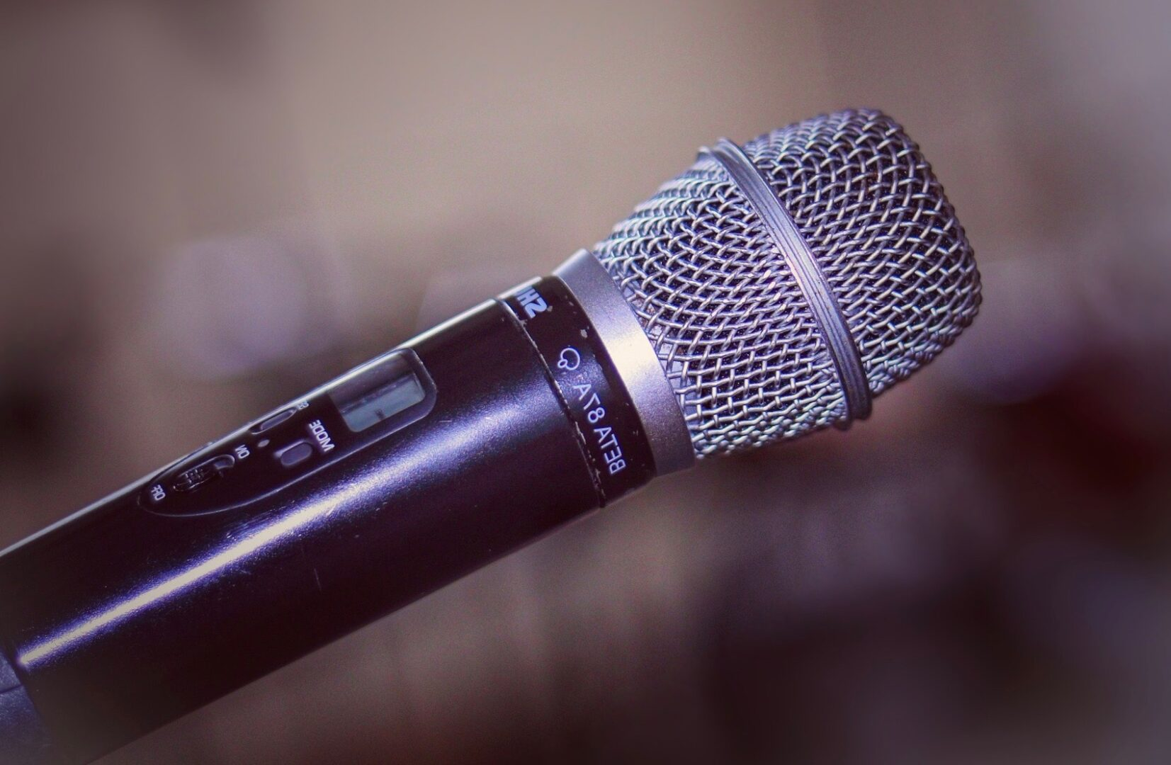 microphone-Home Page-4423282_1920 2