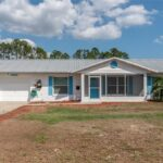 110 S MARE AVE, HOWEY IN THE HILLS, Florida 34737-3805