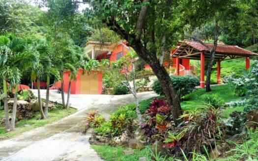 Altos del Maria Fontanella Villa Region Panama Realty - Panama Mountains 1