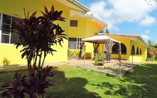 Altos del Maria Granada Villa Region Panama Realty mountain house for sale 1