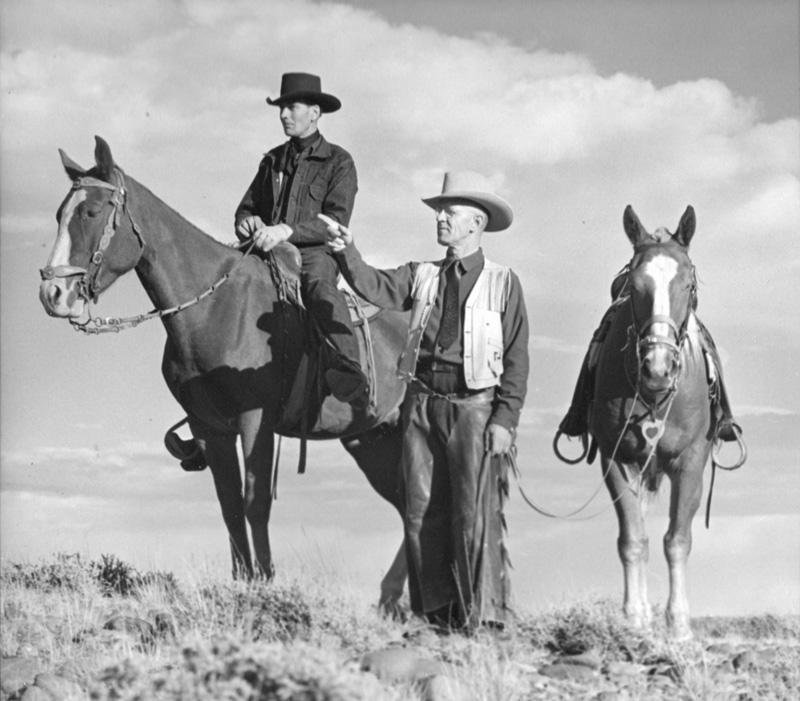 BB-1940s-Photo-Rodeo-Brochure-C