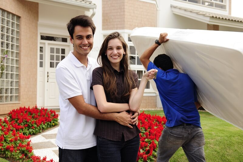 Superior Moving Storage home movers kansas city happy couple moving day