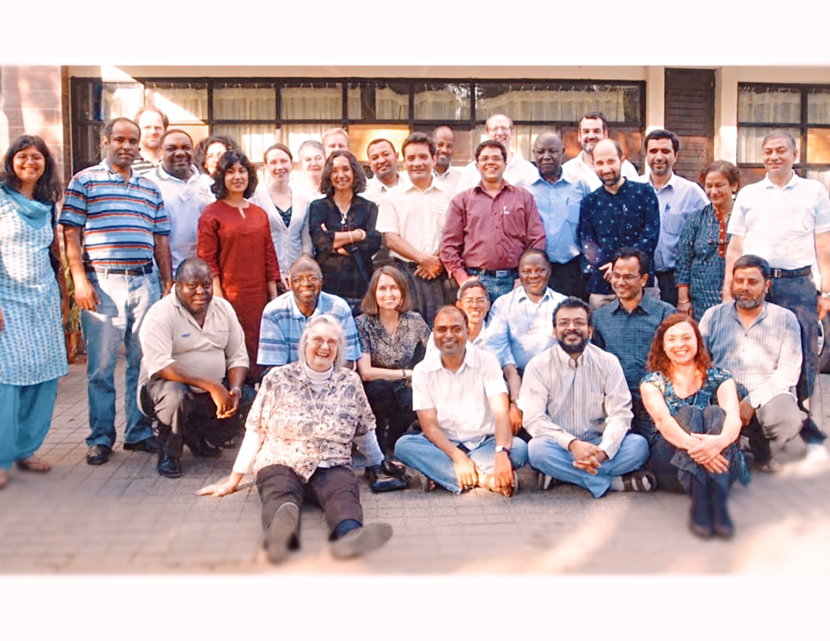 INDIA-GROUP (1)