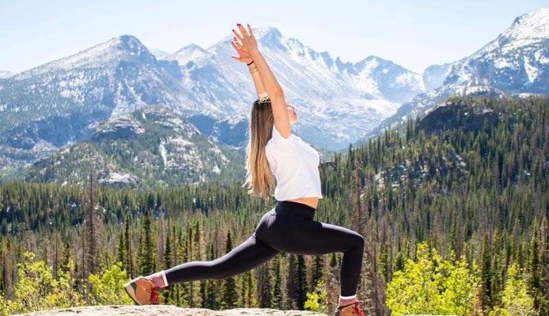 4 posturas de yoga para la tiroides