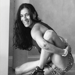 Autora – Luz Yoga Miami