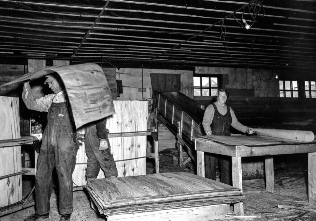 Northern Plywood workers in the 1940's, Photo file name: PAA PA1003.4  Provincial Archives of Alberta, PA1003.4
