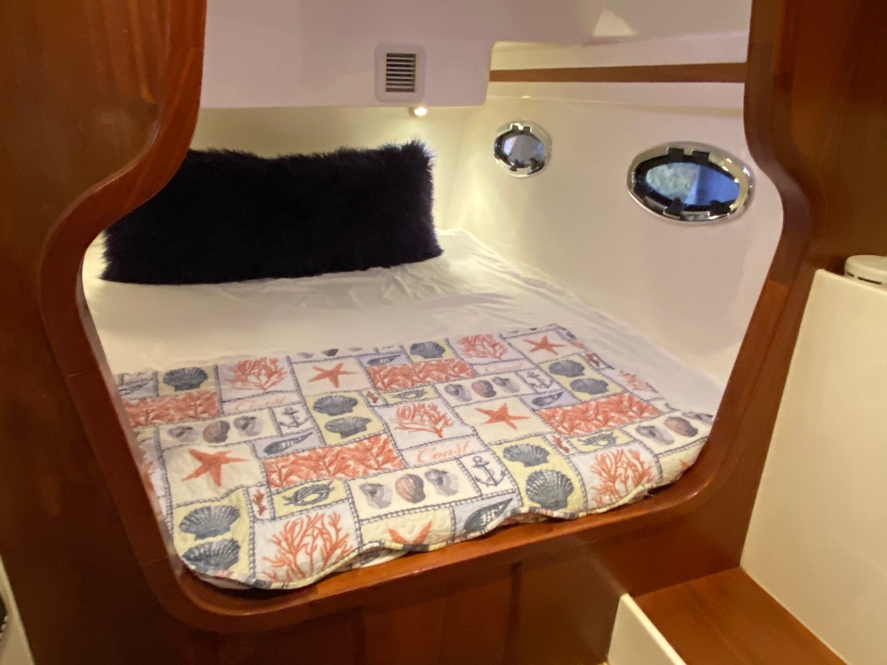 Seafari Yacht Charters 1112