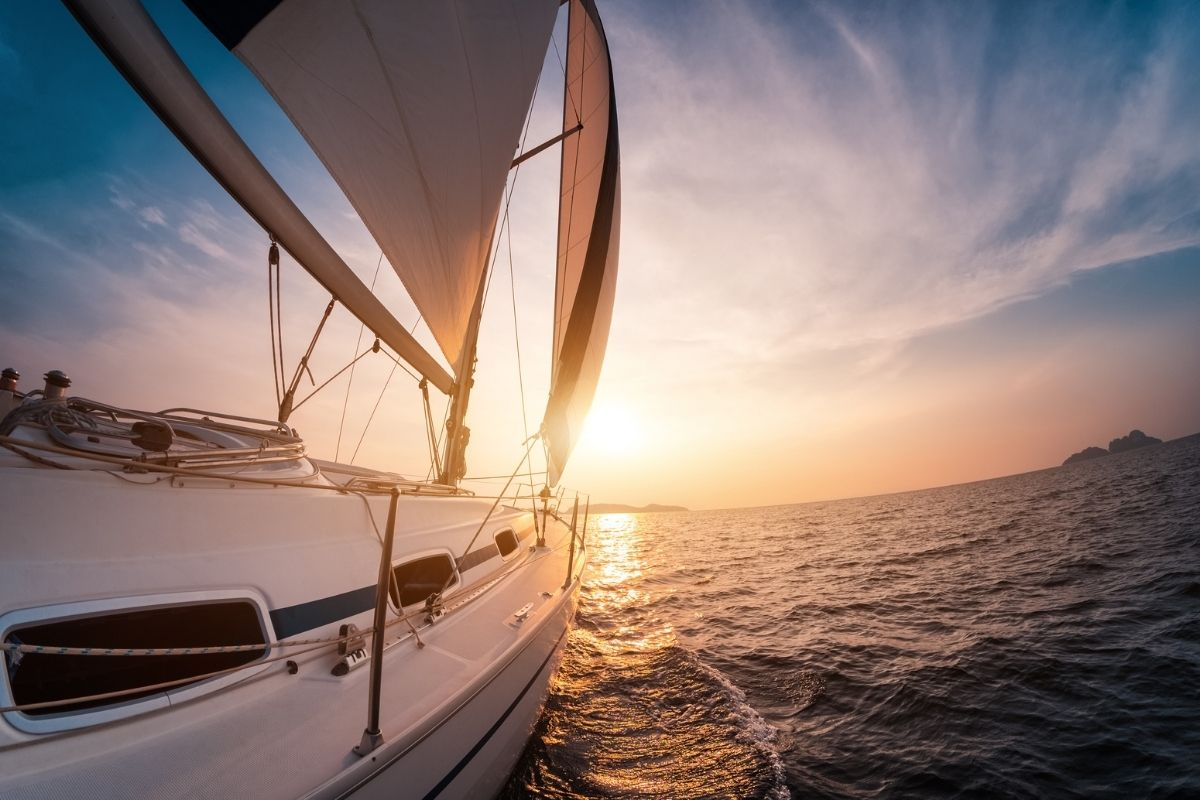 Sailing from Florida to Bahamas: A Quick Guide
