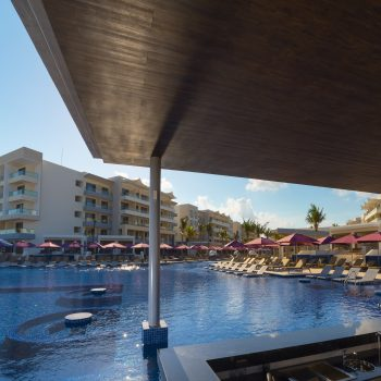 Planet-Hollywood-Beach-Resort-Cancun-Relaxing-Pool