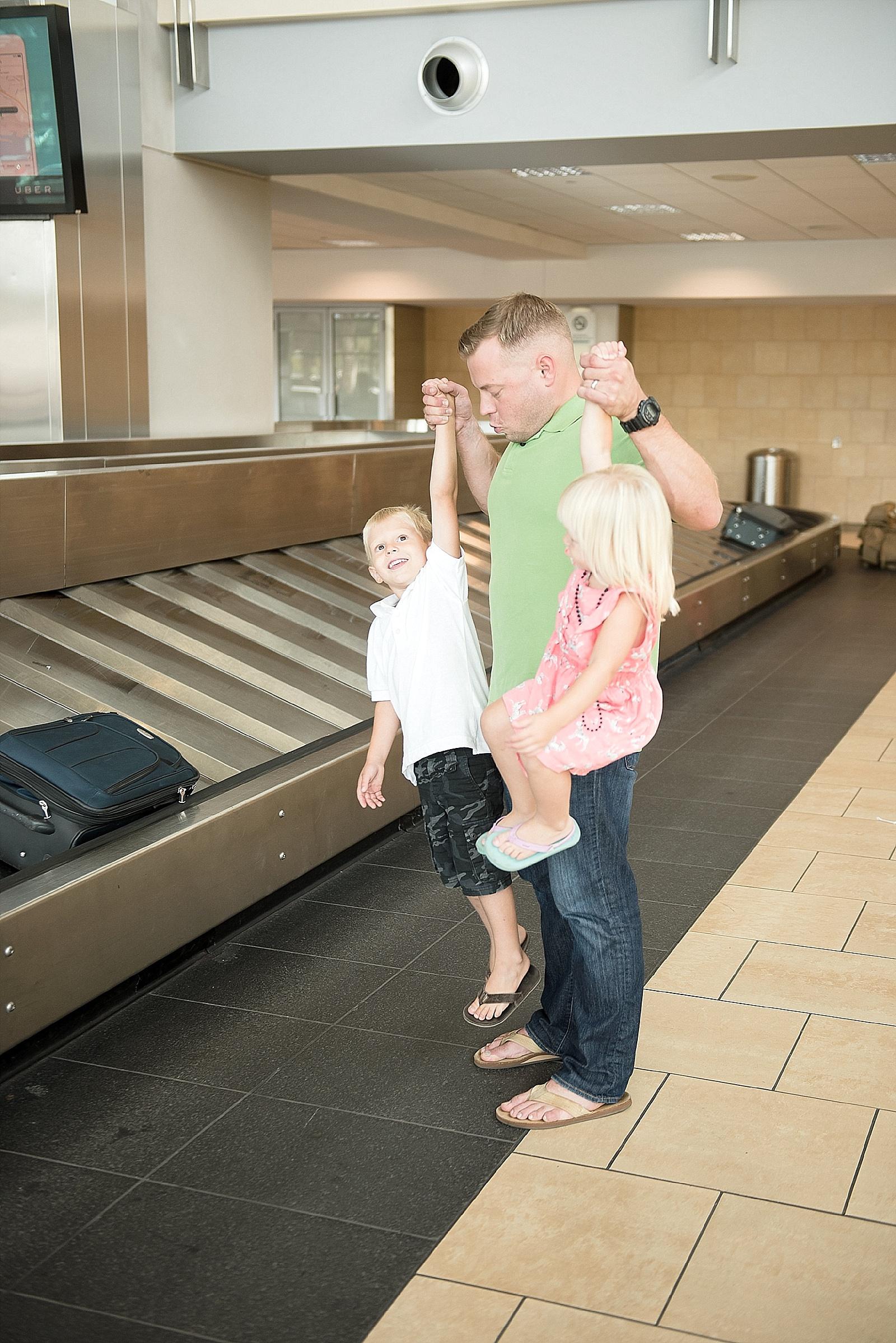 North Carolina Airport Military Homecoming photo by Lauren Nygard-092