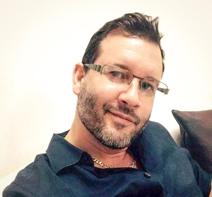 Luis W Aponte