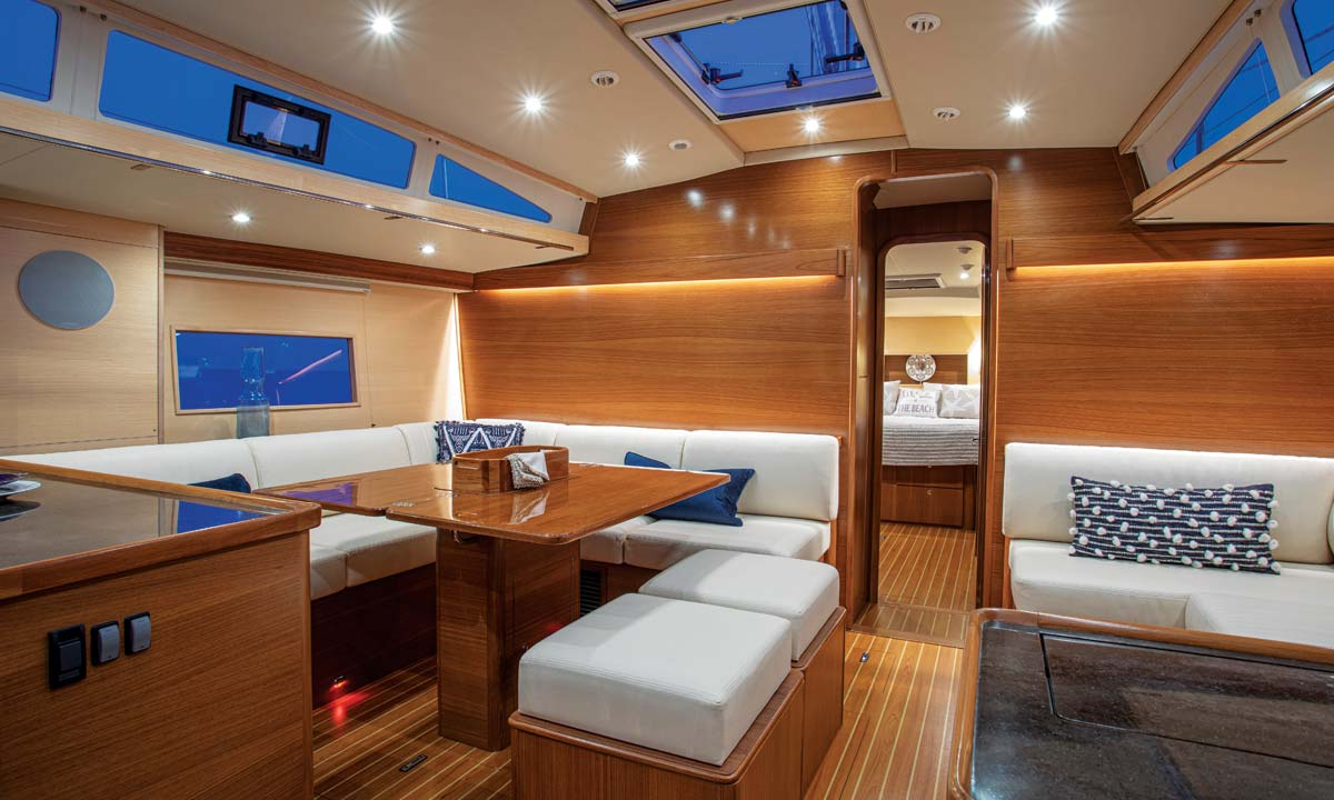 Catalina 545 Interior