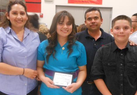 2014 SEAHEC scholar Julia Echevarria Marquez and her family