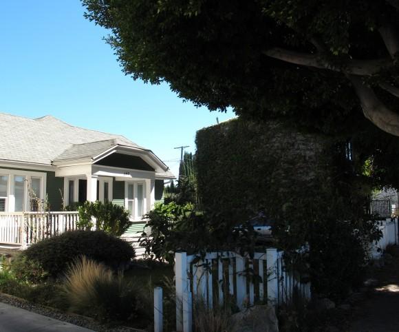 Larchmont Village local house