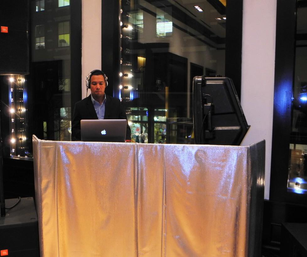 Domingo Zapata 11 Minutes Opening Reception
