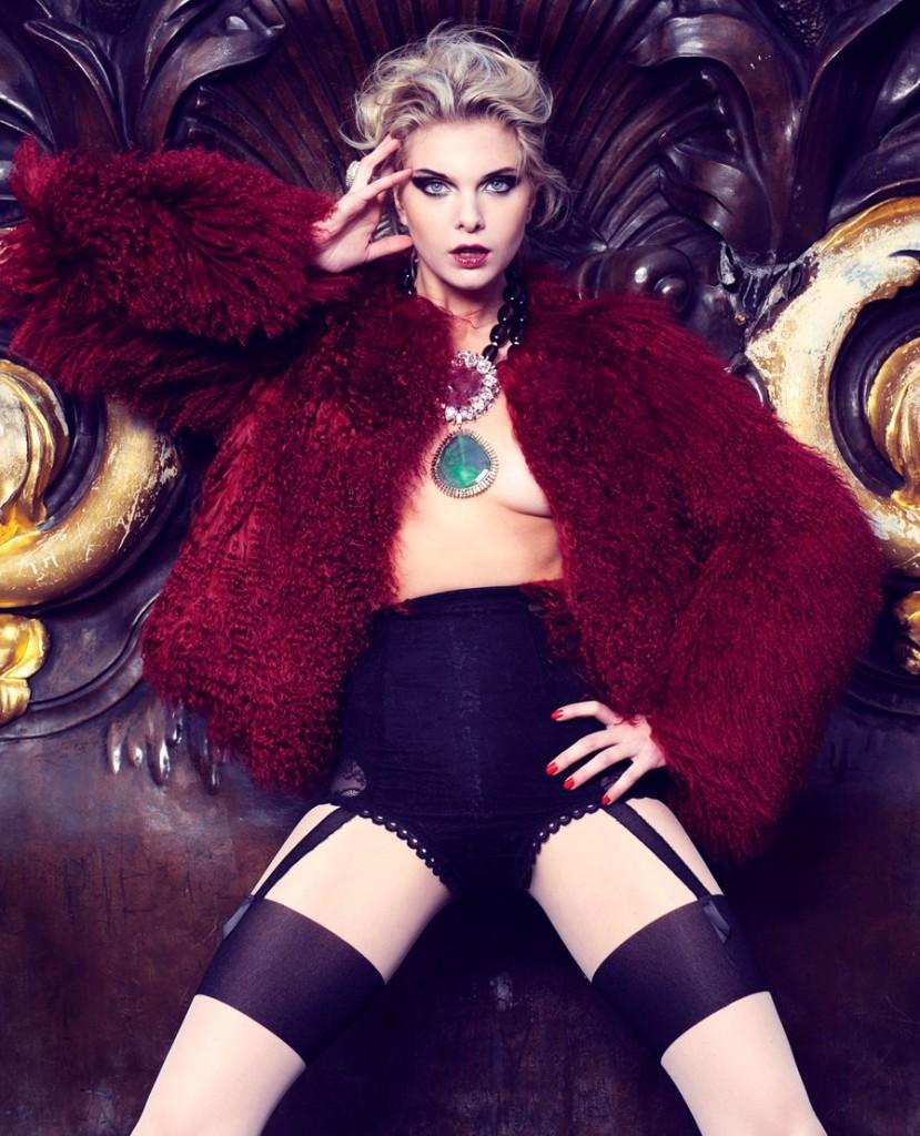 Alessandra Pozzi + top + model + Paris