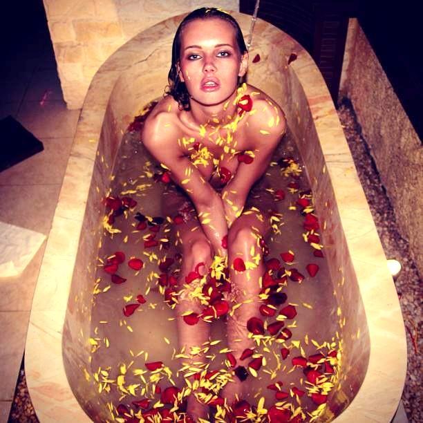 Olya Abramovich bath