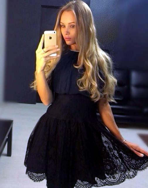 Olya Abramovich fashion selfie