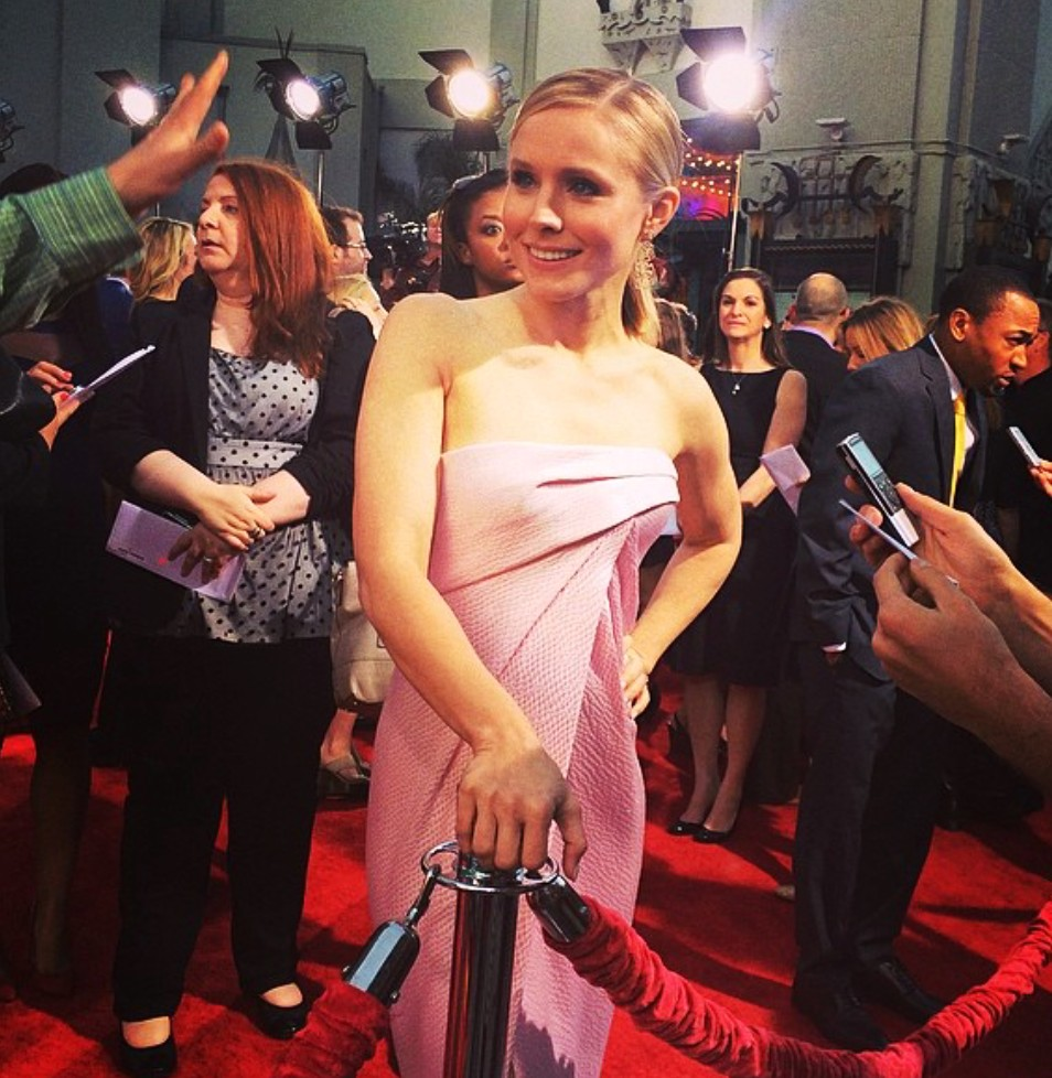 Veronica Mars Premiere Party + Kristin Bell + red carpet