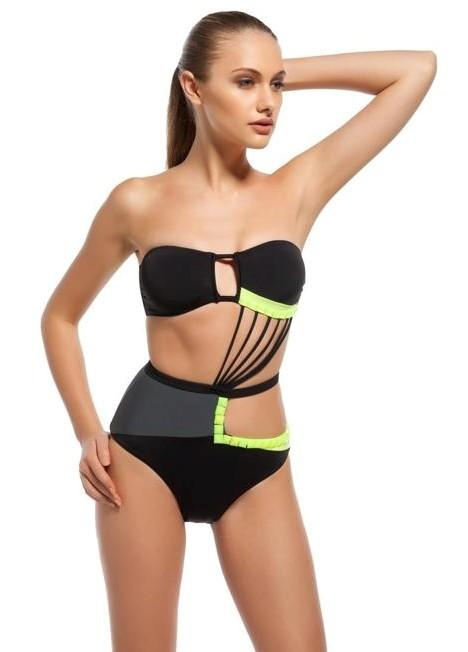 Raluca Mos-sexy-bikini