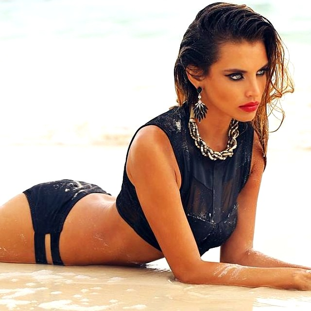 Gabriela Cruz 4