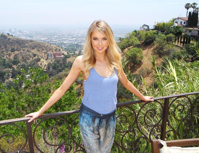 Louisa Warwick, BTS, Hollywood Hills