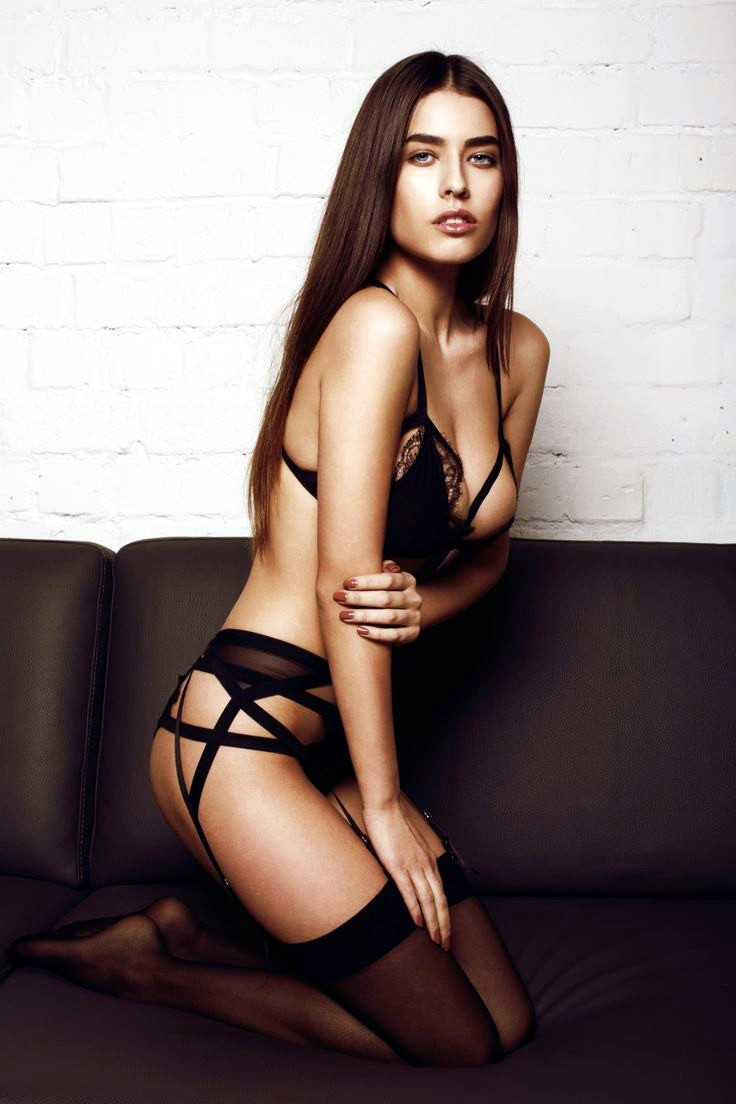 Alice Peneaca, hot model