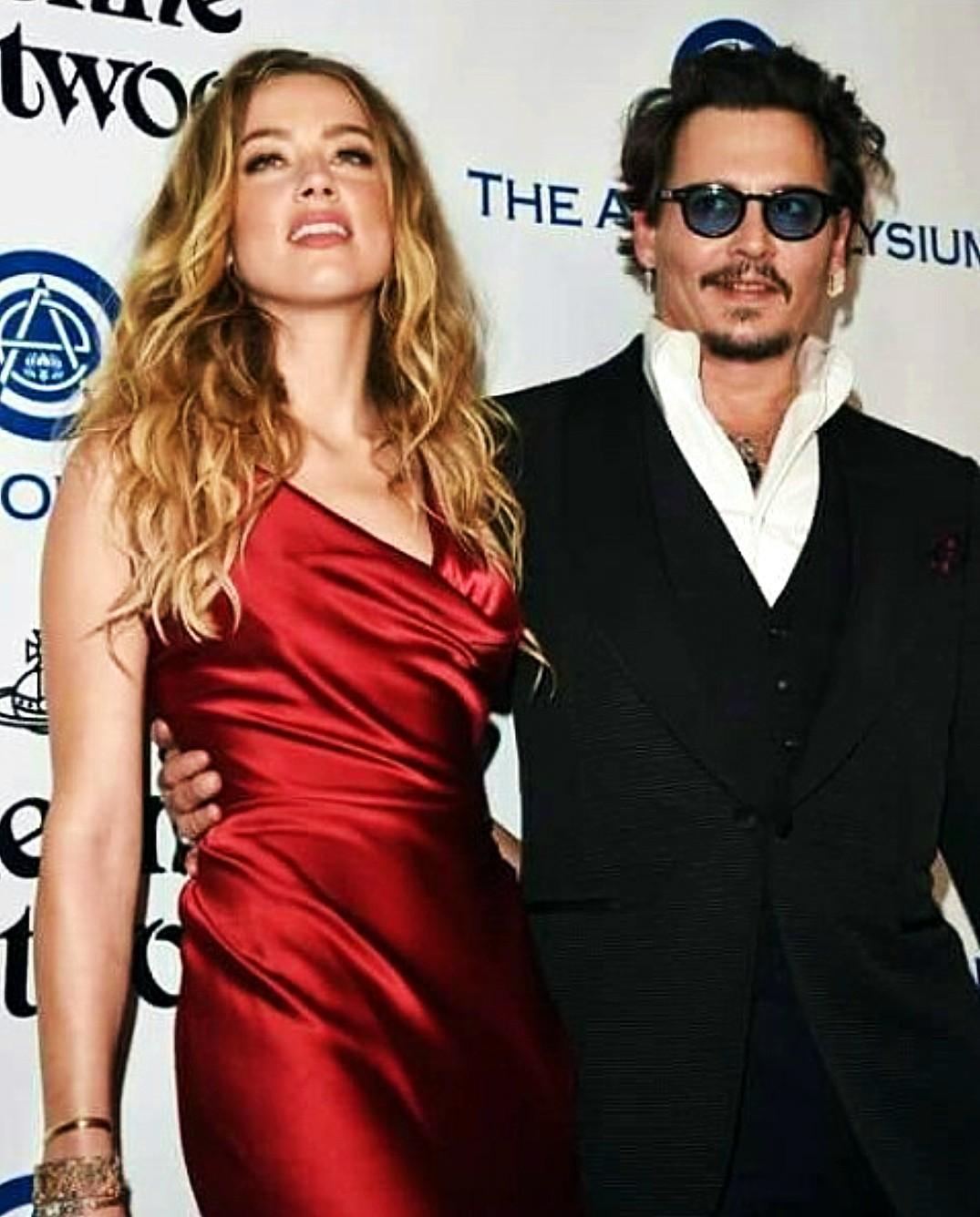 Golden Globes Art Elysium Johnny Depp, Amber Herd