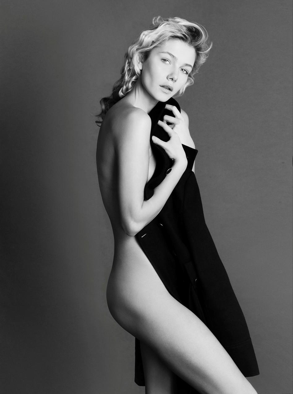 Anastasia Belotskaya bw2