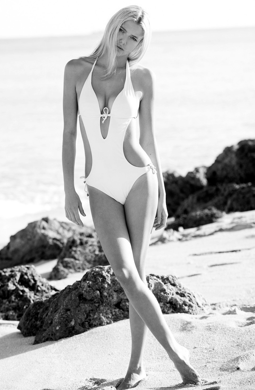 Anastasia Belotskaya swim