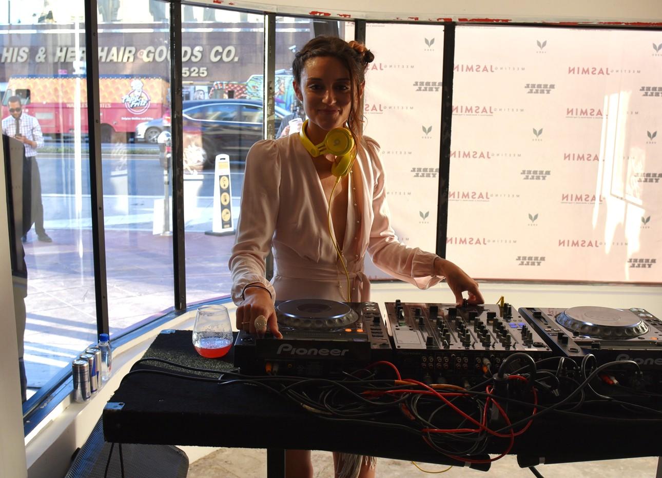 Meeting Jasmin Caroline D'Amore DJ