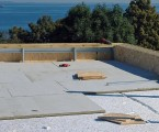 Flat-Roof-a-iStock_000028950006Medium