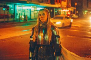 TRACK: Queen of the Night – Woodes