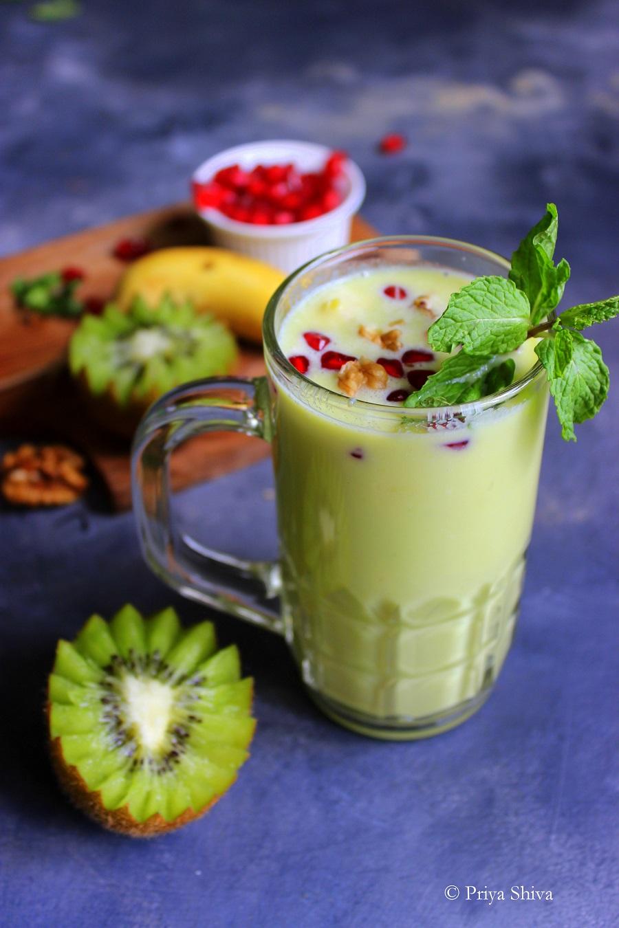 Avocado Kiwi Green Smoothie recipe