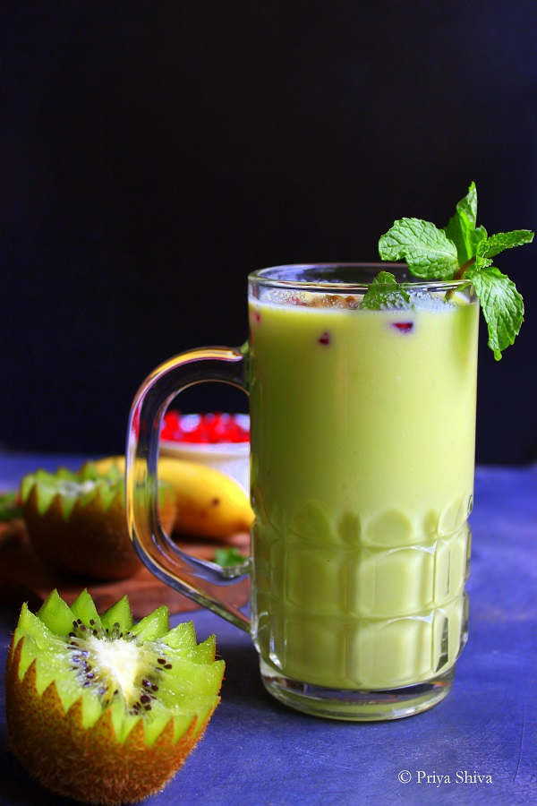 Avocado Kiwi Green Smoothie