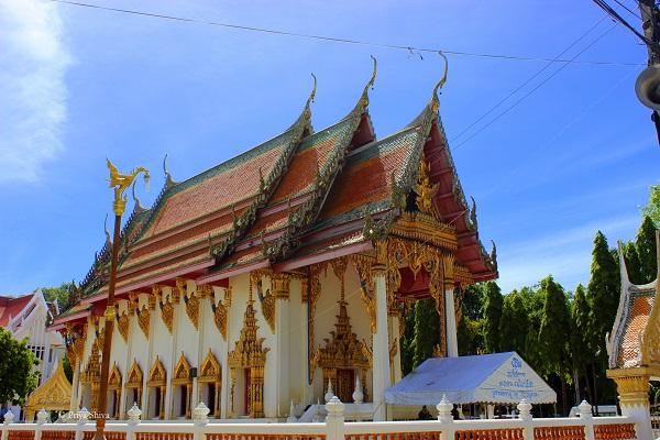 Wat Chaimongkron royal monastery picture