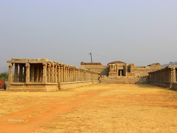 old siva temple hampi