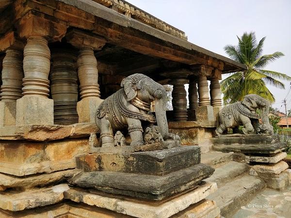 Sri Veeranarayaswami temple belavadi karnataka