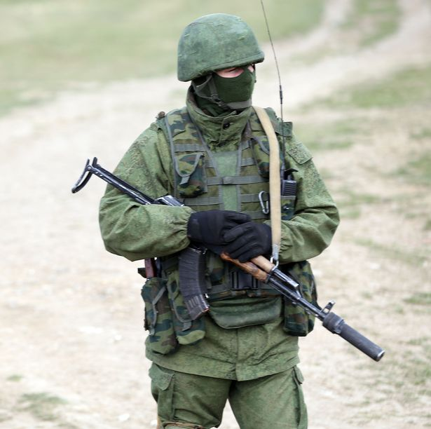 Crimea-tightened-as-Russian-soldiers-surround-Perevalnoye-army-base