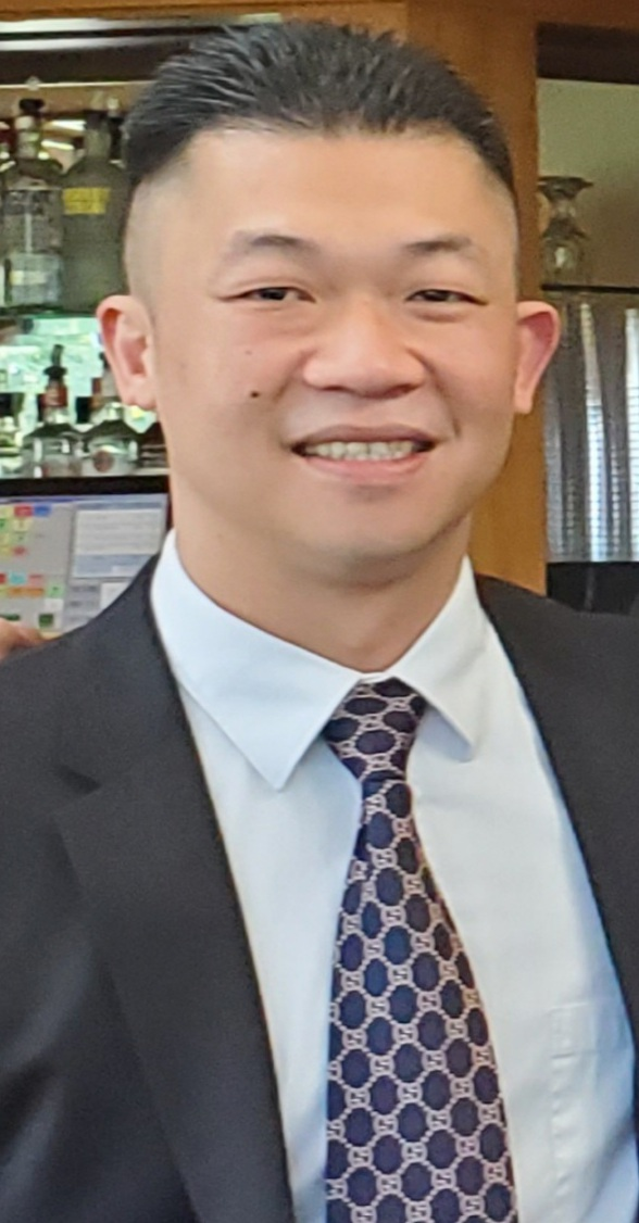 Image of real estate agent in Calabasas CA Eric Chang.
