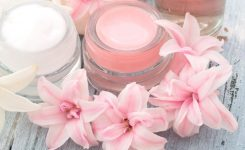 Homemade Lip Gloss with NO Chemicals!