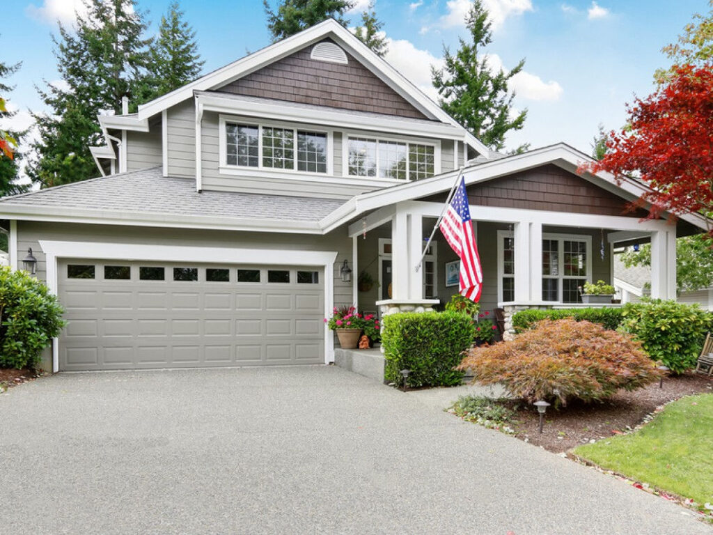 Nice Curb Appeal Of Grey House 144160598